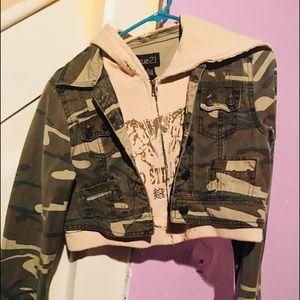 Camo crop jacket so cute in style looks